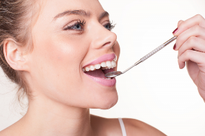 5 Reasons Why A Clean Tongue is Crucial For Health