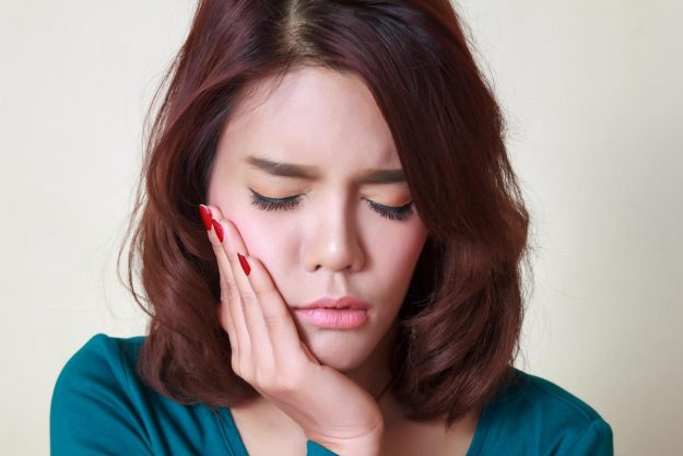Tips To Reduce Cheek & Face Swelling Due To Tooth Abscess