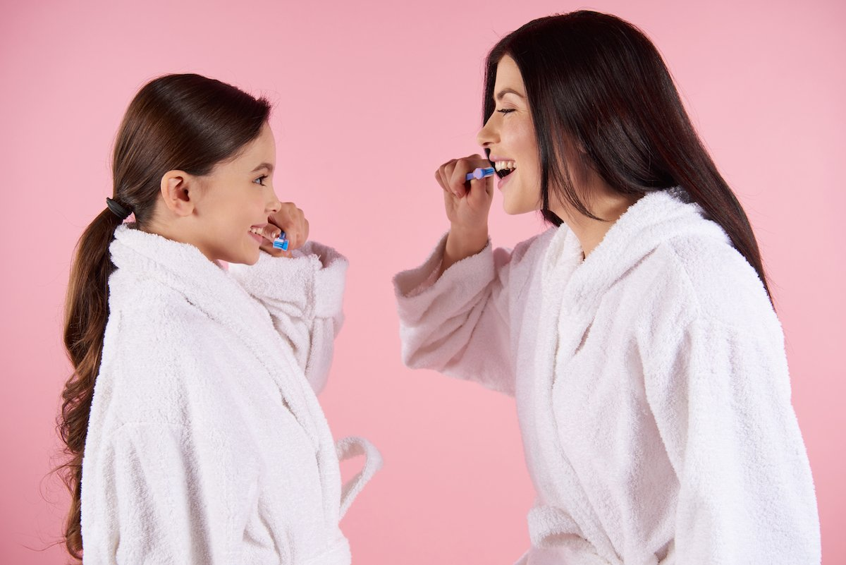 Dental Health Tracking Tips from Your Main Beach Dentist